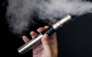 """Sigarette elettroniche """"minano sistema immunitario della bocca"""""""