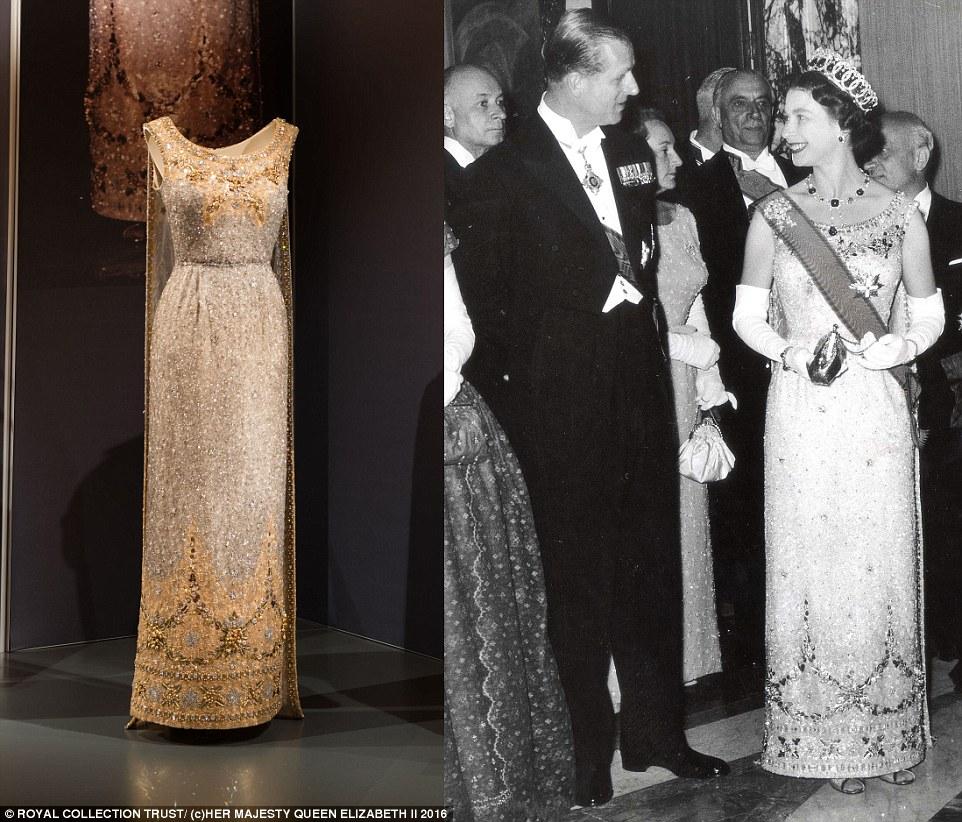 Regina Elisabetta icona stile: in mostra 80 abiti e 62 cappelli 2