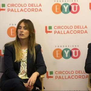Maria Elena Boschi, tailleur e tacchi rossi FOTO