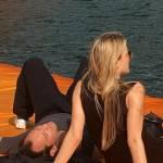 Jude Law e la fidanzata sulla passerella di Christo FOTO