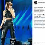 Selena Gomez magrissima: top in pelle e pancia in vista FOTO