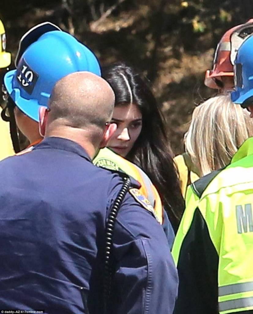 Kylie Jenner e sorelle, paura per mamma Kris: incidente in auto