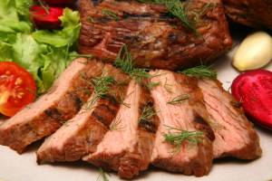 Troppa carne rossa fa male: rischio insufficienza renale