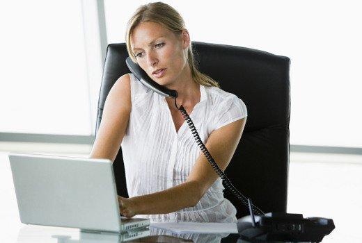 Lavorare troppo fa male: rischio depressione e ipertensione