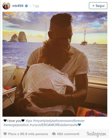 Mario Balotelli in vacanza con la piccola Pia