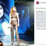 Selena Gomez: i look più sensuali del Revival Tour FOTO