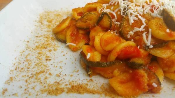 Orecchiette, Pomodorini e Zucchine Fritte