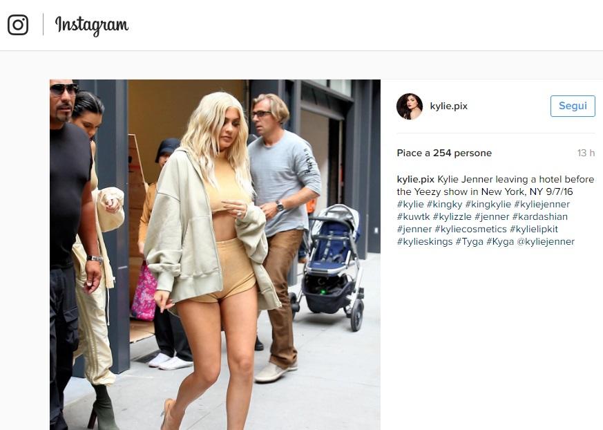 Kylie Jenner scandalosa: shorts cortissimi e top estremo5