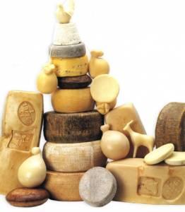 Colesterolo, formaggio stagionato aumenta quello buono