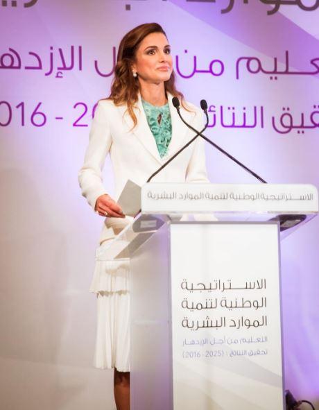 Letizia Ortiz, Rania di Giordania: total white impeccabile FOTO