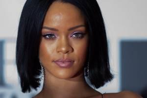 """Rihanna e Drake si sono lasciati? """"Lui ha già un'altra"""""""