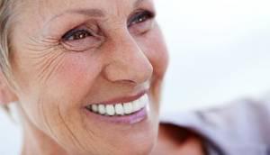Denti curati proteggono la salute fisica e mentale degli anziani