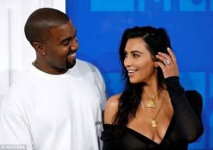 Kim Kardashian e Kanye West in crisi? Lei risponde così FOTO