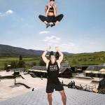 Allenamenti folli di una coppia malata di fitness