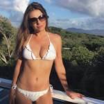 Elizabeth Hurley, a 51 anni fisico al top 9