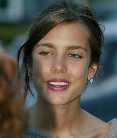 charlotte-casiraghi-stilista