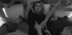 YOUTUBE Emma Marrone a luci rosse nel video su Facebook