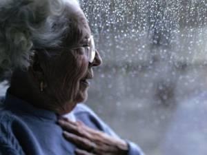 Alzheimer, diagnosi precoce con un semplice test dell'udito