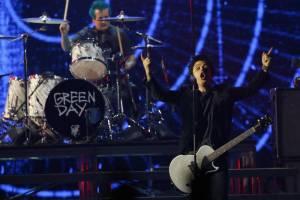 Green Day, canzone contro Trump agli AMA