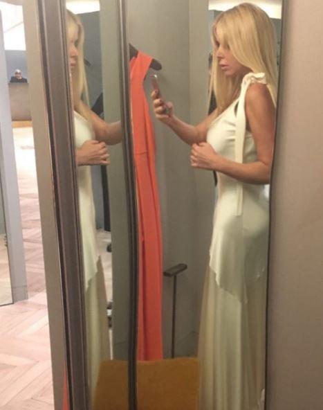 Loredana Lecciso con l'abito bianco. Prove di nozze?
