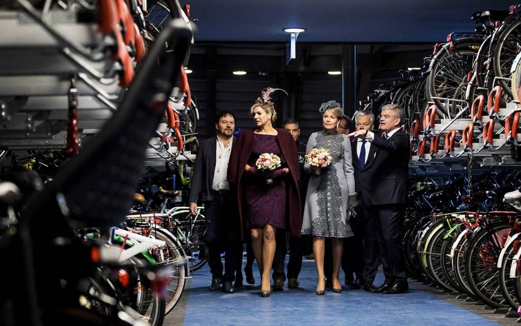 Maxima d'Olanda regina di stile: 3 look impeccabili FOTO