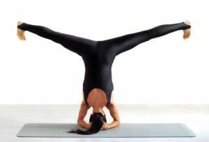 Yoga, i rischi di certe posizioni: infortuni in aumento