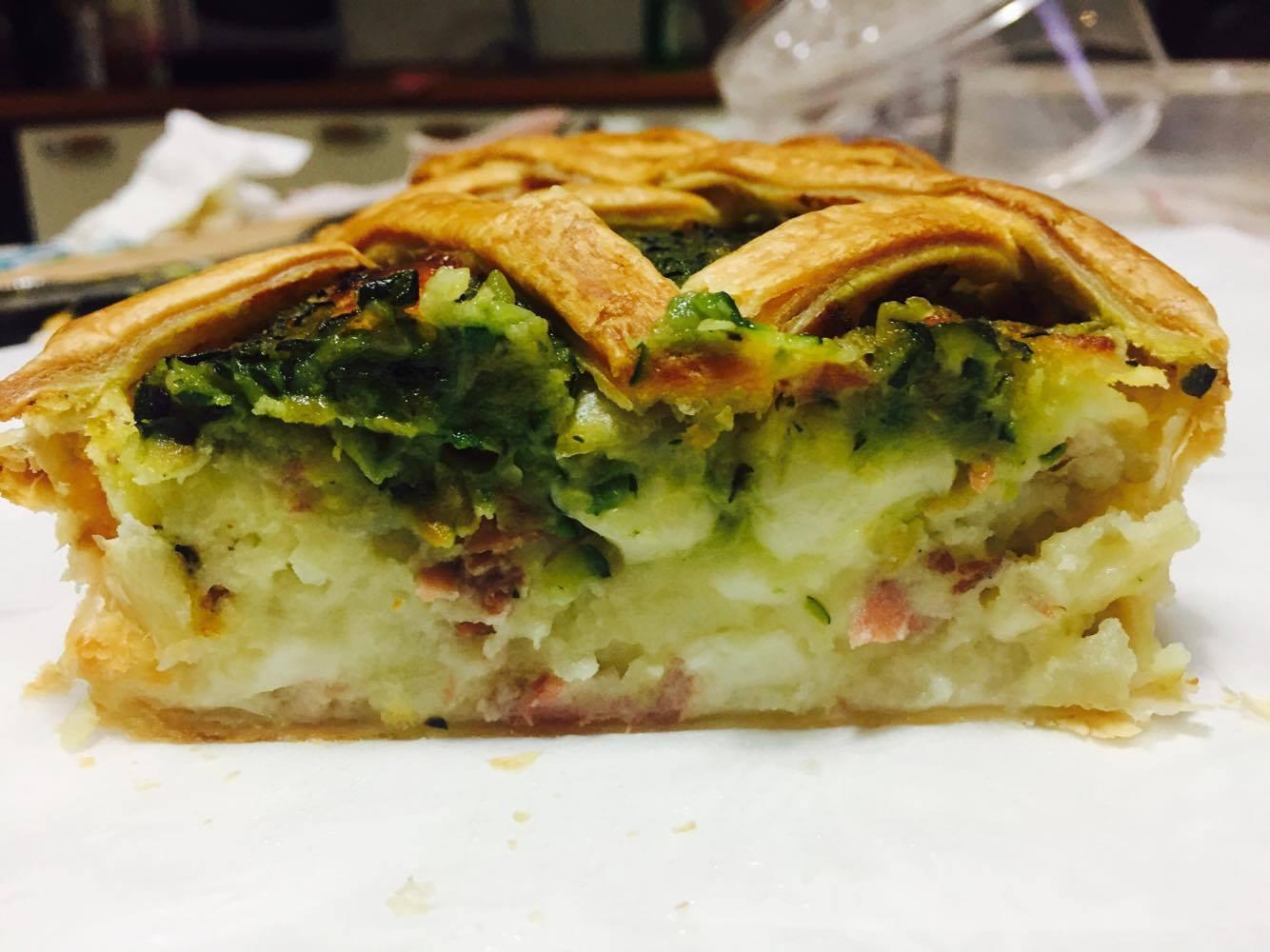 Torta Salata con Patate, Speck, Mozzarella e Zucchine Spadellate