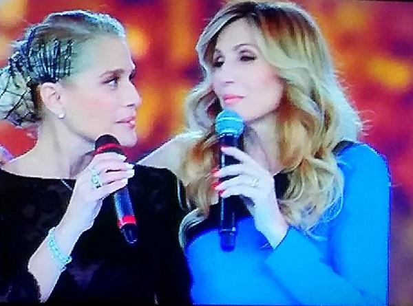"""Heather Parisi contro Lorella Cuccarini: """"A NemicAmatissima..."""""""