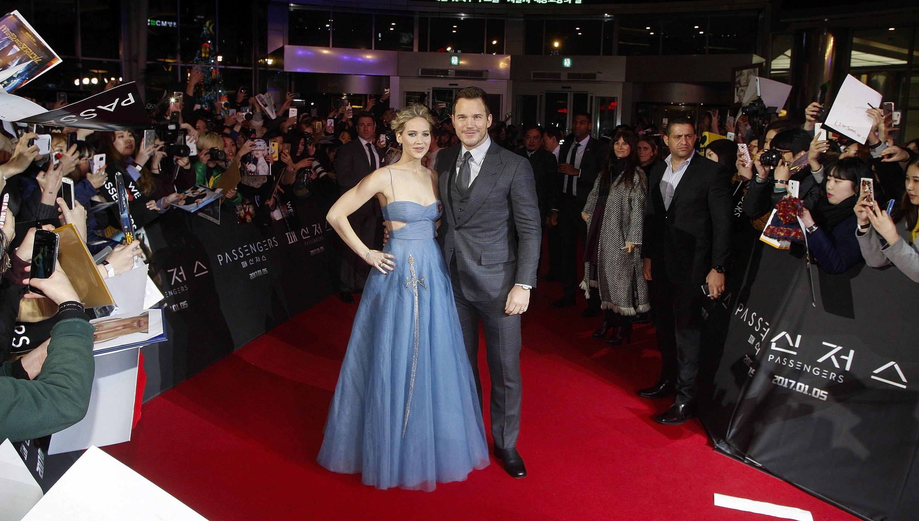 Jennifer Lawrence versione fatina: abito blu firmato Dior FOTO