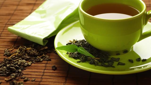 Raffreddore e influenza, il tè aiuta a guarire