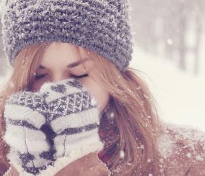 Rughe in inverno: come proteggere la pelle dal freddo