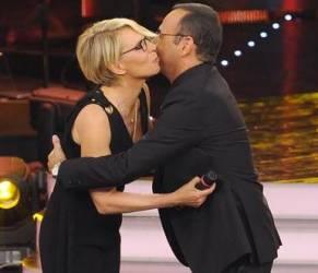 """Maria De Filippi dice sì a Sanremo: """"Carlo, accetto il tuo invito"""""""
