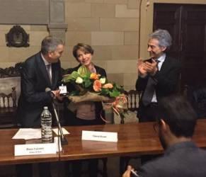 """Siena. Premio a Vittoria Doretti per il progetto """"Codice Rosa"""""""