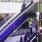 Inciampa sul vestito su scala mobile, figlio vola da 12 metri2