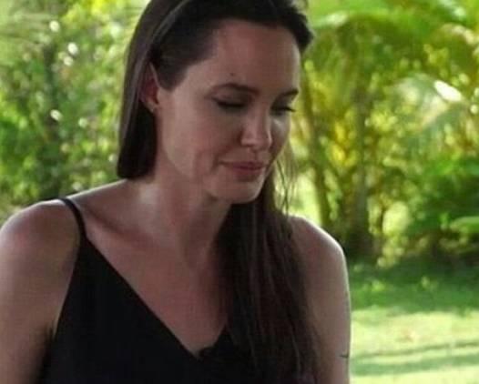 Angelina Jolie distrutta: prime FOTO e VIDEO dopo il divorzio
