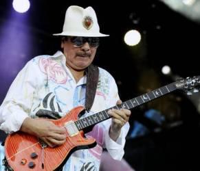 """Santana contro Beyoncé: """"Non è una cantante"""""""