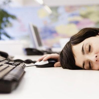 """Colpi di sonno sul lavoro, la soluzione per """"svegliarsi"""""""