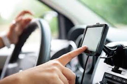 Navigatore in auto? Memoria tace, cervello si spegne