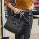 Selena Gomez sempre più magra: top corto e pancia in vista 5