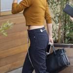 Selena Gomez sempre più magra: top corto e pancia in vista 4