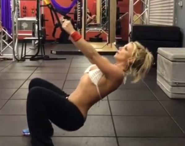Britney Spears sempre più magra, fisico al top mentre si allena FOTO-VIDEO1