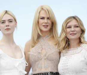 Nicole Kidman, baci e abbracci a Elle Fanning e Kirsten Dunst3