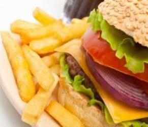 Fegato grasso e microbiota povero: i rischi di una dieta sbagliata