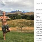 Justin Bieber si rilassa con lo yoga2