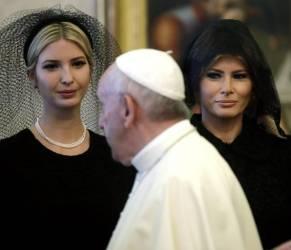 Melania Trump e Ivanka di nero dal Papa: ecco perché