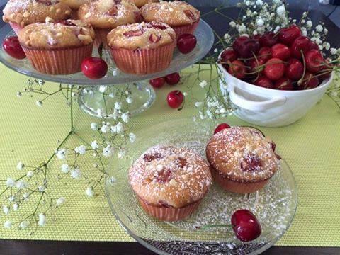 Muffins alle Ciliegie e Cioccolato Bianco