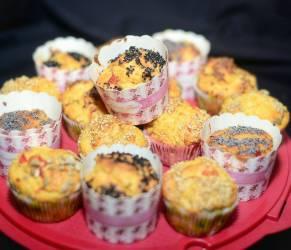 Muffins salati ai friggitelli caramellati, cipollotti e pecorino