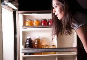 Mangiare tardi la sera fa ingrassare e predispone al diabete