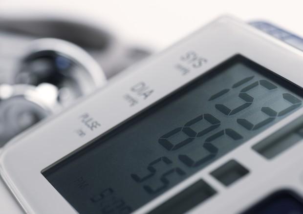 Ipertensione, come misurare la pressione a casa