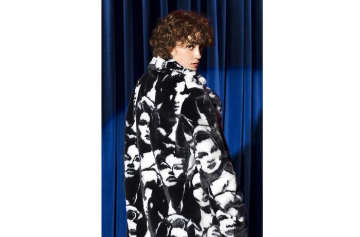 Stella McCartney, abiti realizzati con rifiuti di plastica degli oceani